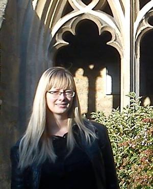 Jóhanna Katrín Friðriksdóttir er Marie Curie styrkþegi á Stofnun Árna Magnússonar í íslenskum fræðum og stundar þar rannsóknir á bókmenntum og handritamenningu síðmiðalda.