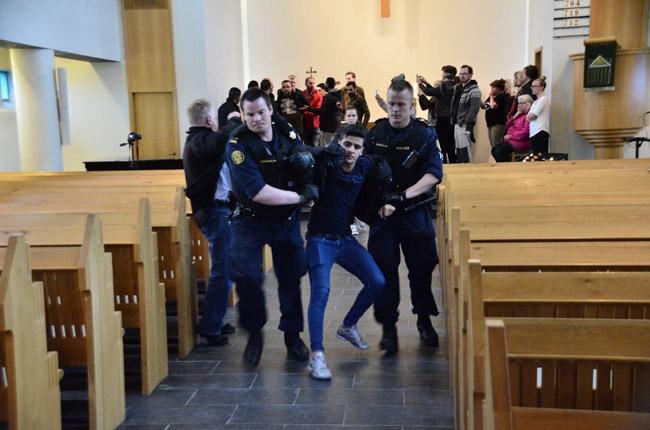 """Mynd fengin að láni af facebook síðunni """"Ekki fleiri brottvísanir""""."""
