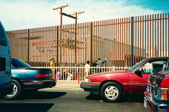 Rimlagirðing milli Calexico, Bandaríkjunum og Mexicali, Mexíkó.